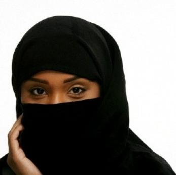 Muslim-woman-in-burka-347x346